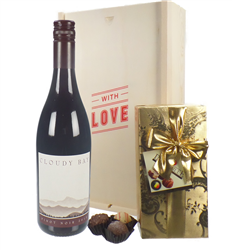 New Zealand Cloudy Bay Pinot Noir Valentines Wine and Chocolate Gift Box