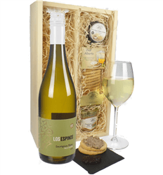 Sauvignon Blanc Wine & Gourmet Food Gift Box