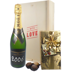 Moet & Chandon Vintage Valentines Champagne and Chocolates Gift Box