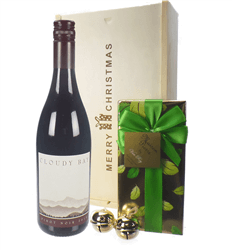 New Zealand Cloudy Bay Pinot Noir Christmas Wine and Chocolate Gift Box