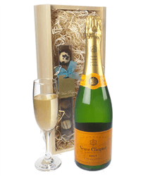 Veuve Clicquot Champagne and Chocolates Gift Set