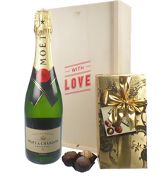 Moet & Chandon Valentines Champagne and Chocolates Gift Box