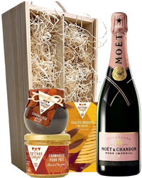 Moet & Chandon Rose Champagne & Gou...