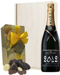 Moet & Chandon Vintage Champagne & ...