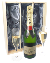 Moet Champagne Gift Set With Flute ...