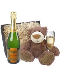 Veuve Clicquot Vintage Champagne an...
