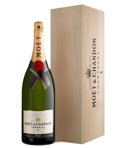 Moet & Chandon Champagne Jeroboam 300cl in Wooden Gift box