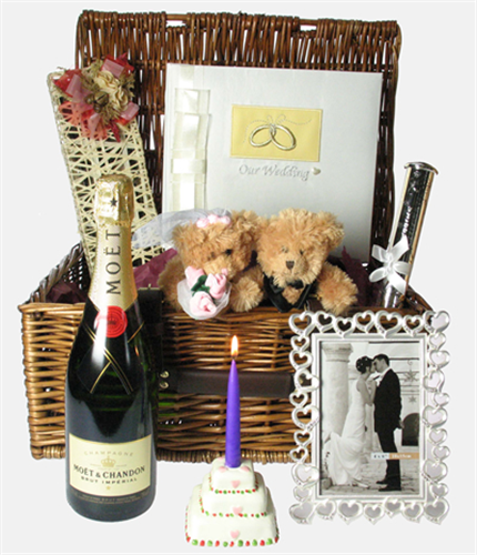 Wedding Gift Hampers Uk: Deluxe Wedding Hamper