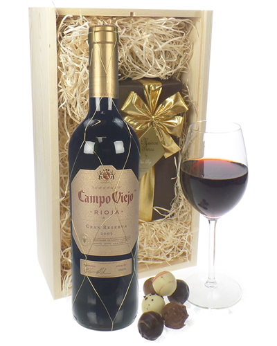 Campo Viejo Gran Reserva Wine and Chocolates Gift Set in Wooden Box