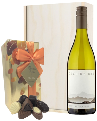 Cloudy Bay Sauvignon Blanc Wine and Chocolates Gift Set in Wooden Box