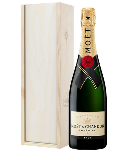 Moet & Chandon Champagne Gift in Wooden Box