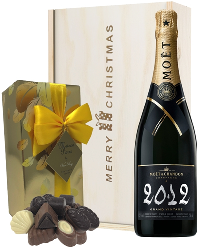 Moet & Chandon Vintage Christmas Champagne and Chocolates Gift Box