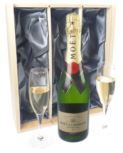 Moet Champagne Gift Set With Flute Glasses