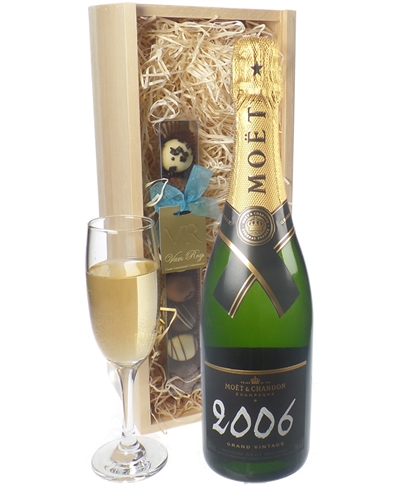 Moet Vintage Champagne and Chocolates Gift Set