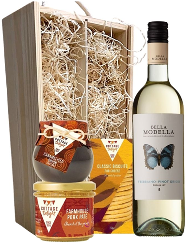 Pinot Grigio Wine & Gourmet Food Gift Box