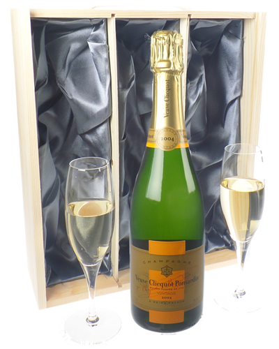 Veuve Clicquot Vintage Champagne Gift Set With Flute Glasses